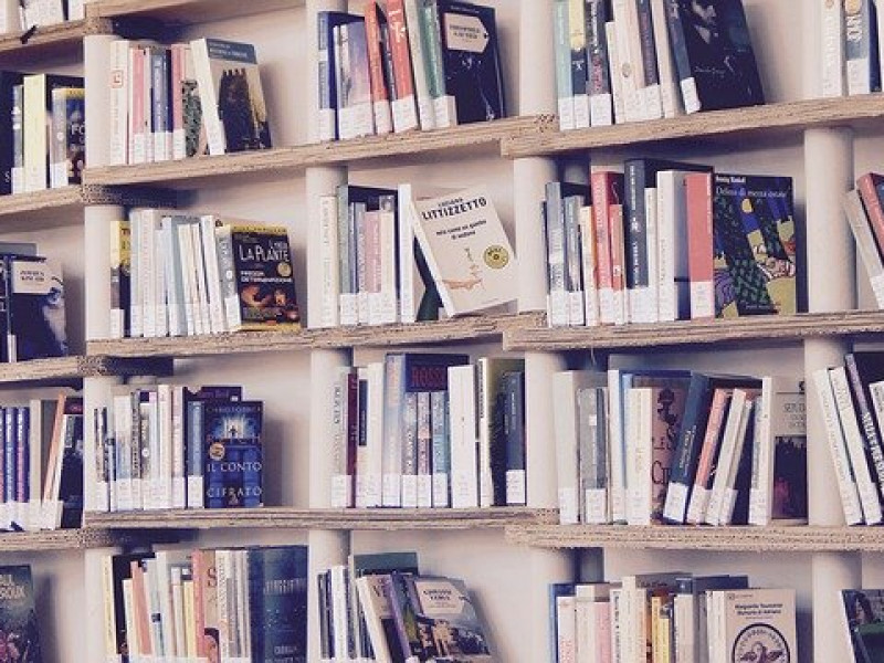 books 1617327 640 1